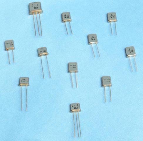 电子部产品目录--石英晶体谐振器